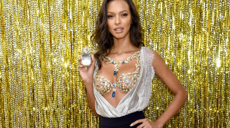 5c908b245c3 Victoria s Secret introduces the highly anticipated CHAMPAGNE NIGHTS  FANTASY BRA. – LA Fashion News